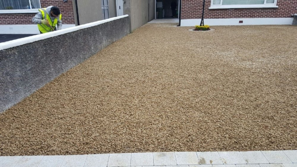 Gravel-driveways-with-brick-border-Dublin-IMG_5995.jpg