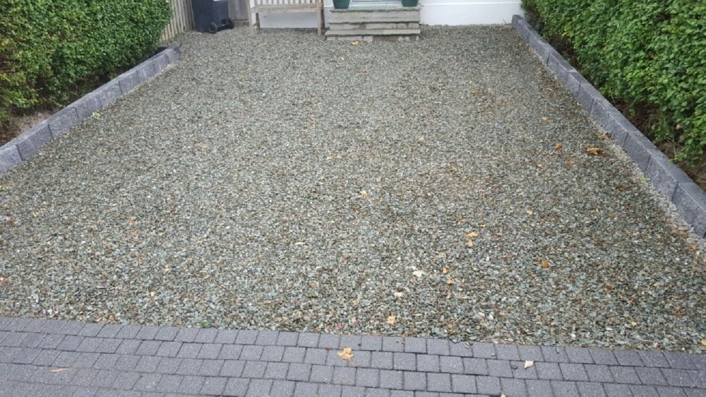Gravel-driveways-with-brick-border-Dublin-IMG_5998.jpg