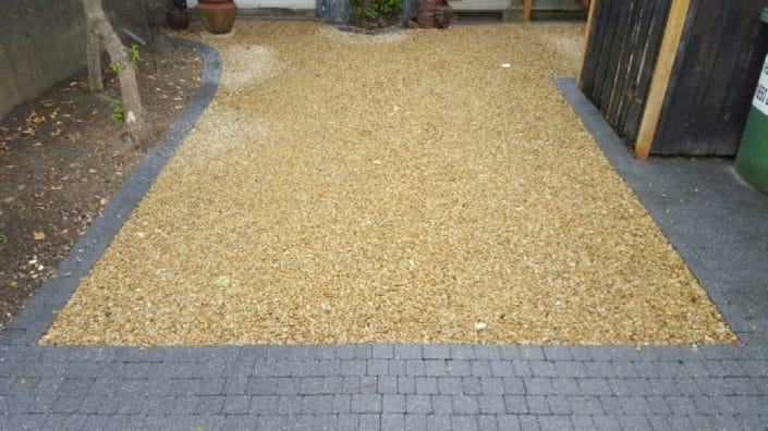 Gravel-driveways-with-brick-border-Dublin-IMG_6003.jpg